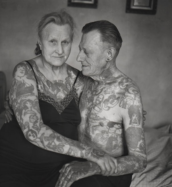 tattooed-elderly-people-28__605